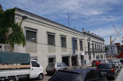 Única. Gran Esquina Sobre Rambla Y Solís, Local + Parking.