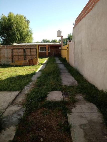 Venta De Casa En La Parte Trasera En Gral. Rodriguez.