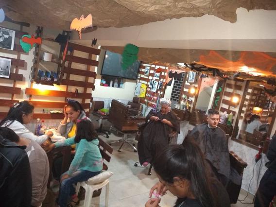 Se Vende Peluqueria Con Salon De Uñas Y Barberia Acreditada