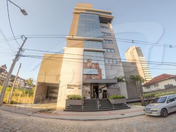 Sala Comercial Com Aproximadamente 46 M², 01 Vaga De Garagem, No Bairro Velha. - 3578957v