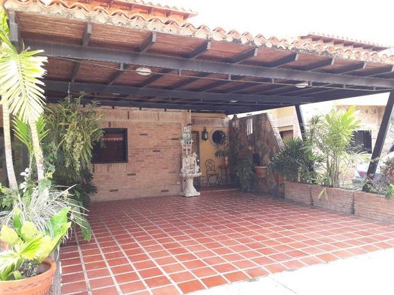 Nestor Moreno Vende Town House En San Diego