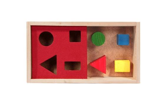 Caixa Passa Figura - Brinquedo Pedagógico De Madeira