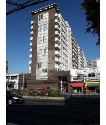 Depto. Remodelado De 2 D + 2 B Y Balcón, A 2 Cuadras Del Metro Ciudad Del Niño. Bodega.