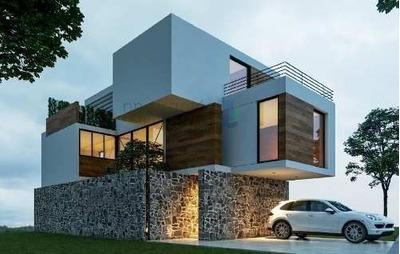 Casa En Pre-venta De 3 Niveles, Cañadas Del Arroyo