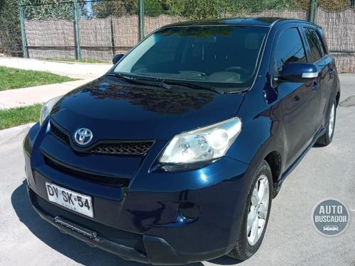 Toyota Urban  2012