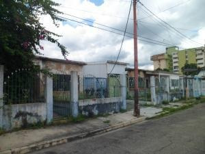 Terreno En Venta Santa Rosa Valencia Carabobo 19-7175 Yala