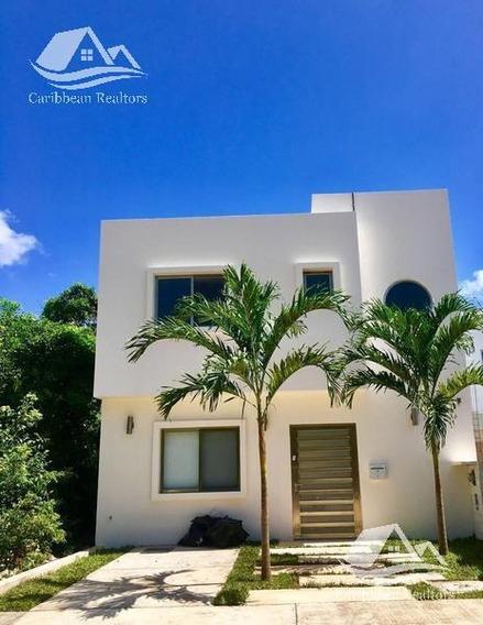 Casa En Venta En Arbolada Cancun