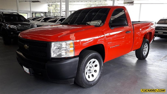Chevrolet Silverado Pick-up / Carga 4x2