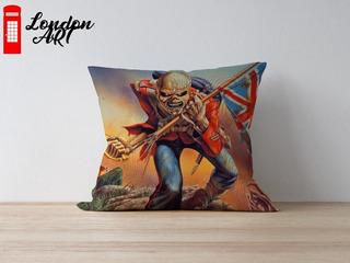 Almofada Decorativa Iron Maiden The Trooper