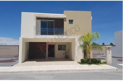 Casa Residencial En Venta Al Norte De Saltillo