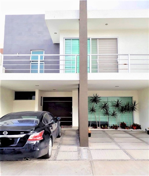 Impecable Casa En Renta En Hacienda Juriquilla Santa Fe, Querétaro