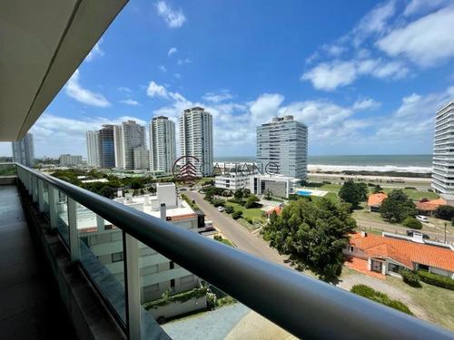 Hermoso Apartamento De 3 Dormitorios En Brava!- Ref: 2525