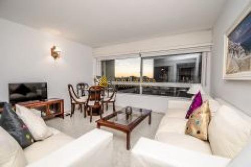 Apartamento En Muy Buena Ubicacion En Peninsula De 3 Dor, 2 Baños Y Garaje. Consulte!!!!!- Ref: 2230
