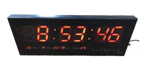 Imagem 1 de 1 de Relógio De Parede Led Digital - Calendário E Termômetro