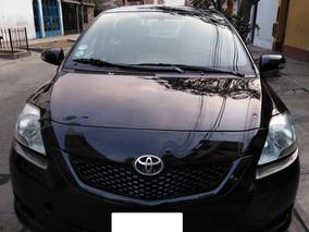 Vendo Toyota Yaris 2013