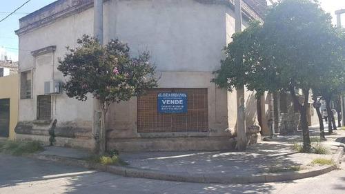 B° Pueyrredon, Casa 2 Dormitorios En Venta