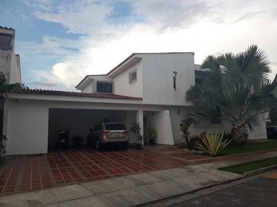 Venta De Casa En Las Clavellinas 389 Mt2