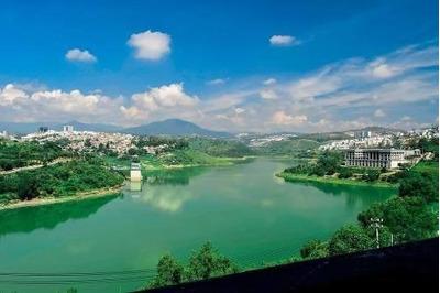 Hermosas Vistas Dentro De Hermosa Residencia L.c