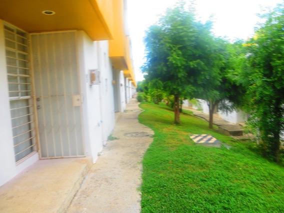 Casa En Venta En Fracc. Brisa Residencial, Puerto Escondido, Oaxaca.