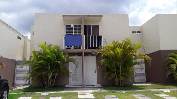 Casa En La Av Jacobo Majluta Res Colina Del Viento
