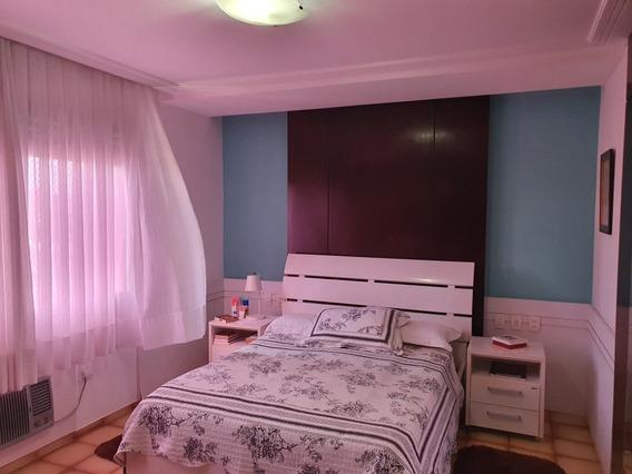 Lindo Apartamento Em Petrópolis