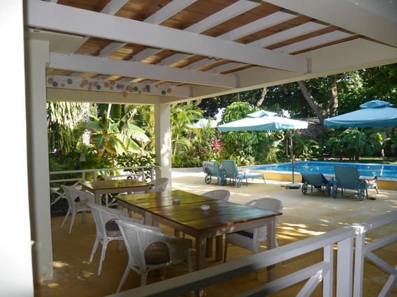 Preciosa Casa Frente Al Caribe / Playa