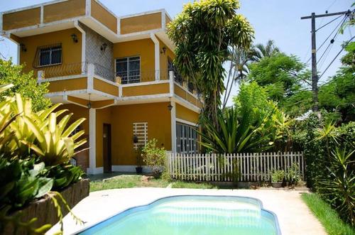 Casa Com 3 Dormitórios À Venda, 187 M²  - Bom Retiro - São Gonçalo/rj - Ca1077