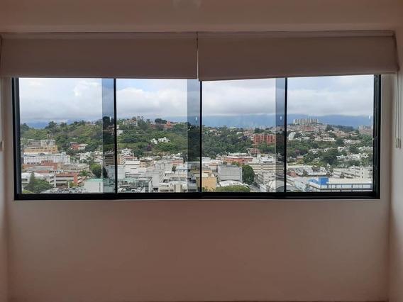 Hermoso, Moderno E Iluminado Apartamento En La Trinidad.