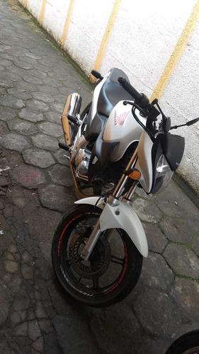 Imagem 1 de 3 de Honda 2012
