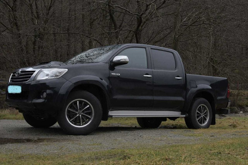 Toyota Hilux Doble Cabina Pickup