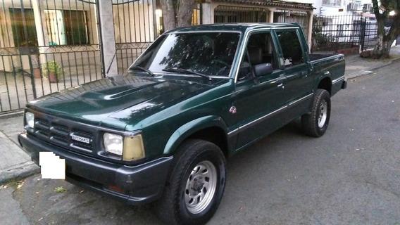 Camioneta Mazda B2600