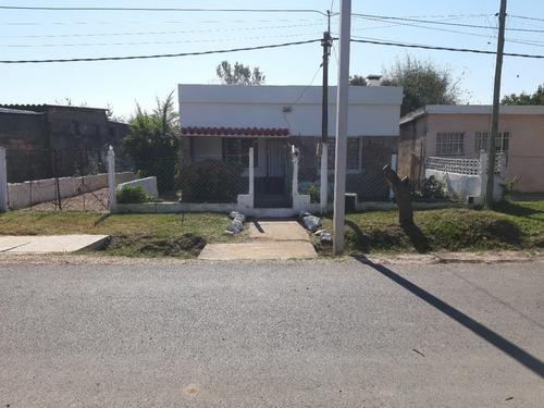 Casa De 2 Dormitorios En Las Piedras, Canelones