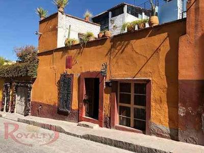 Casa En Venta Para Remodelar En Hernandez Macias
