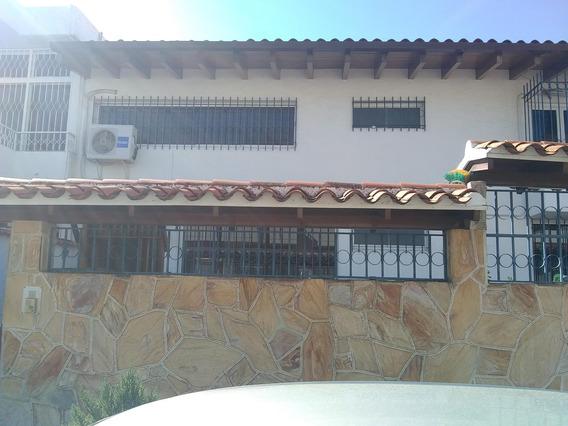 Casa En Venta En Caracas Urbanización Vista Alegre Rent A House Tubieninmuebles Mls 20-12343