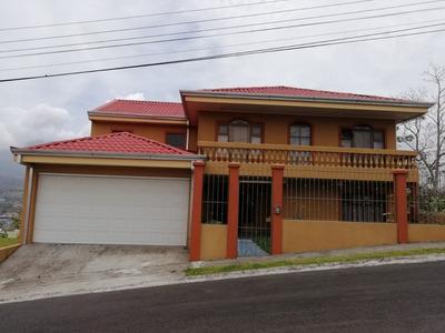 Amplia Casa Con Vista Espectacular En Ciudad Quesada