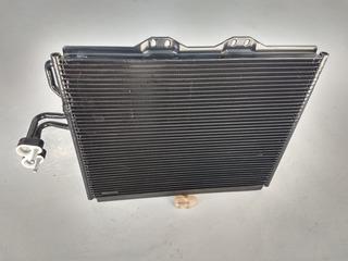 Condensador Jeep Rubicon 00-03 Original