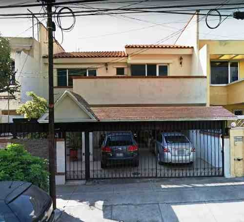 Casa En Venta De 4 Recs. En Providencia Guadalajara Jalisco