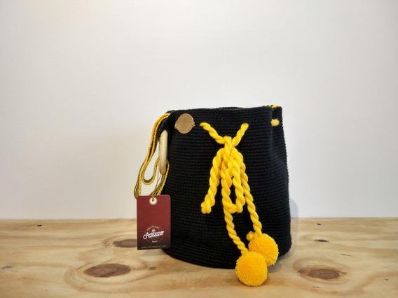 Mochila Crochet Negro Amarillo   San Jacinto   Mi Artesano
