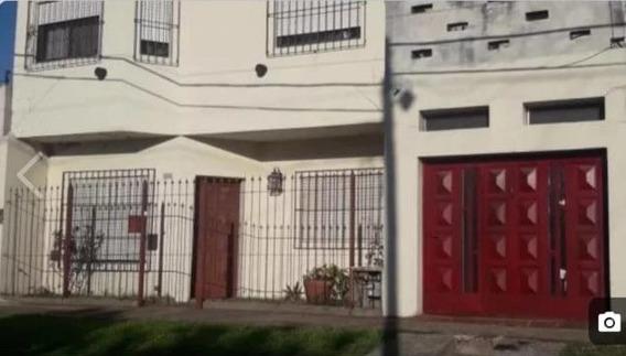 Casa De 4 Ambientes En 2 Plantas Con Cochera