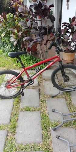 Imagen 1 de 3 de Bicicleta Mongoose Bmx Poco Uso, Excelentes Condiciones