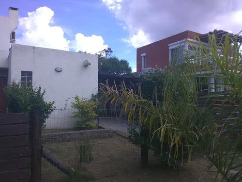 A 1 Y 1/2 De Playa Y Devoto De La Rambla // Duplex Portales