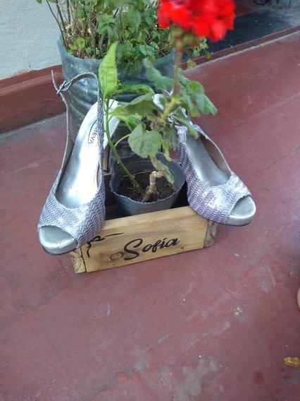 Zapatos Careva Bellos Y Brillosos