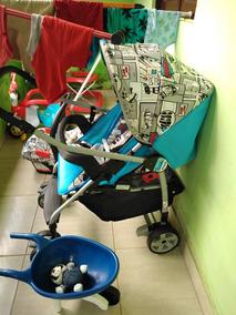 Carrinho De Bebê Azul De Menino
