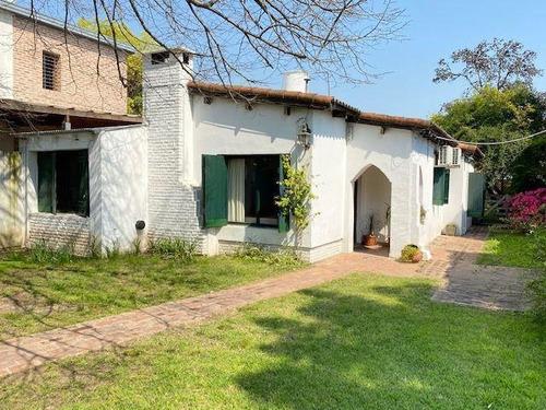 Imagen 1 de 28 de Casa Venta 2 Dormitorios 2 Baños Y Quincho  - Terreno 700 Mts 2- Manuel B Gonnet