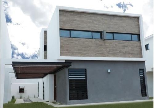 Casa En Venta Recamara En Planta Baja Fracc Calzada Del Bosque Ii Etapa