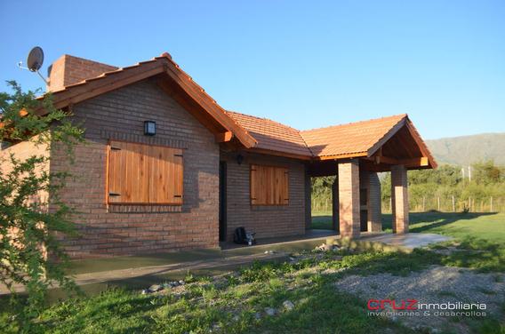 Casa En Golden Hills De 84m2 A 5 Min Del Centro De Merlo!