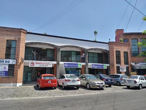 Imagen 1 de 8 de Se Renta Local P.b Dentro De Plaza Comercial