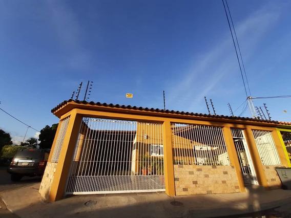 Casa En La Morita I, Urb Las Aves / Paola Gomez 04144685758