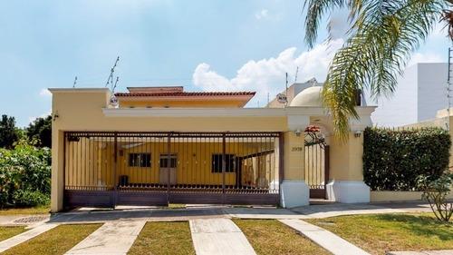 Casa En Venta En Bugambilias.