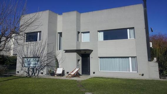 Moderna Casa En Venta De 4 Ambientes En Ombues De Hudson